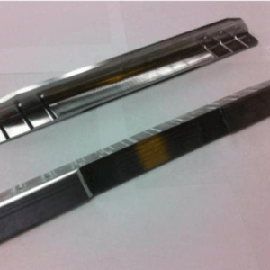 Pièces de 0,5 mm à 15 mm d'épaisseur (presses de 95 tonnes) en aluminium et titane